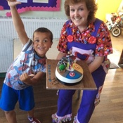 Birthday Party Magician Nikki Performs In Havant Hampshire